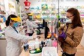 La Comunidad homenajea a sus farmacéuticos