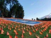 53.000 banderas en homenaje a fallecidos por Covid