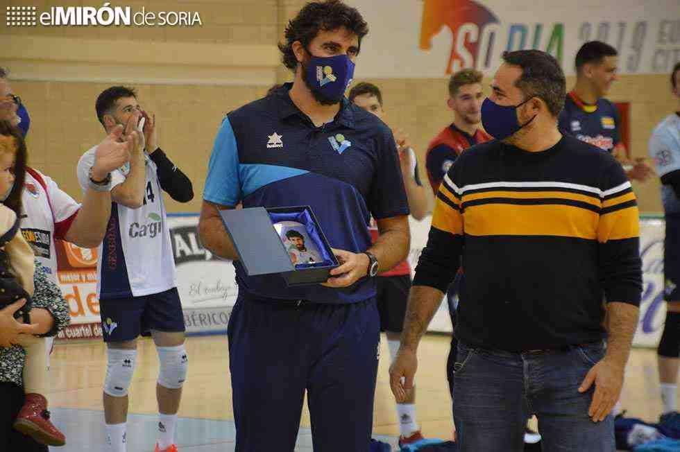 Homenaje al mejor jugador soriano de voleibol