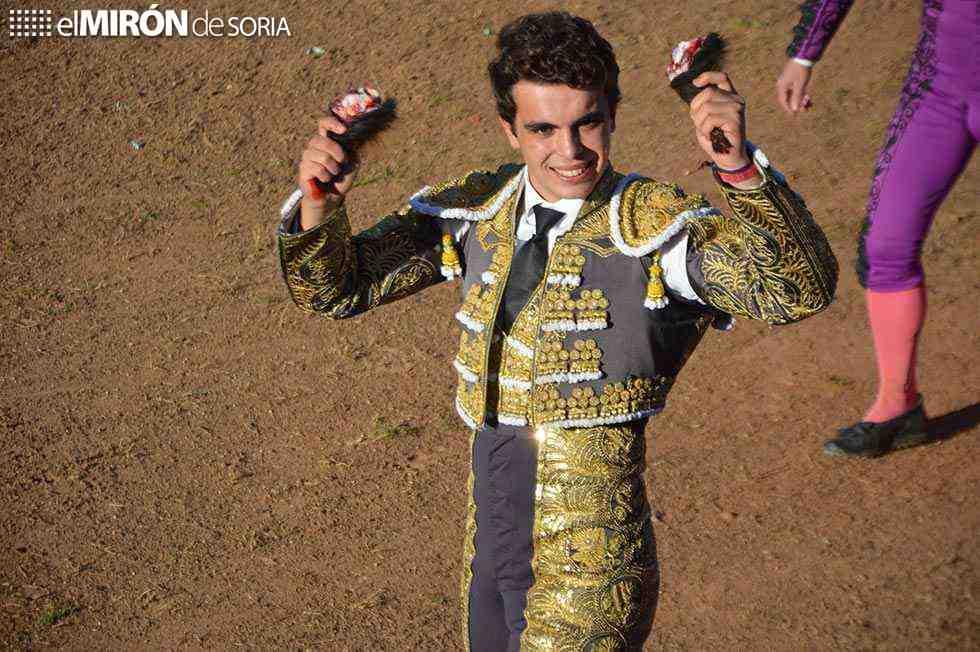 Tarde de trofeos en la novillada de Quintana Redonda