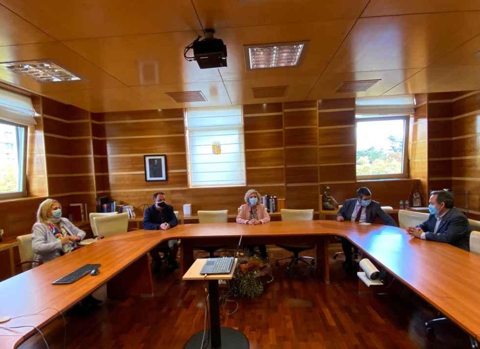 Diputación pide solución a consejera de Sanidad