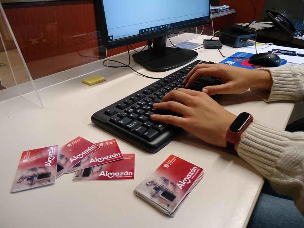Almazán expide nueva tarjeta ciudadana