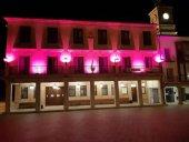 Almazán se ilumina de rosa contra el cáncer