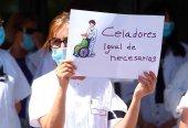 El PSOE pide a la Junta que proteja a los celadores