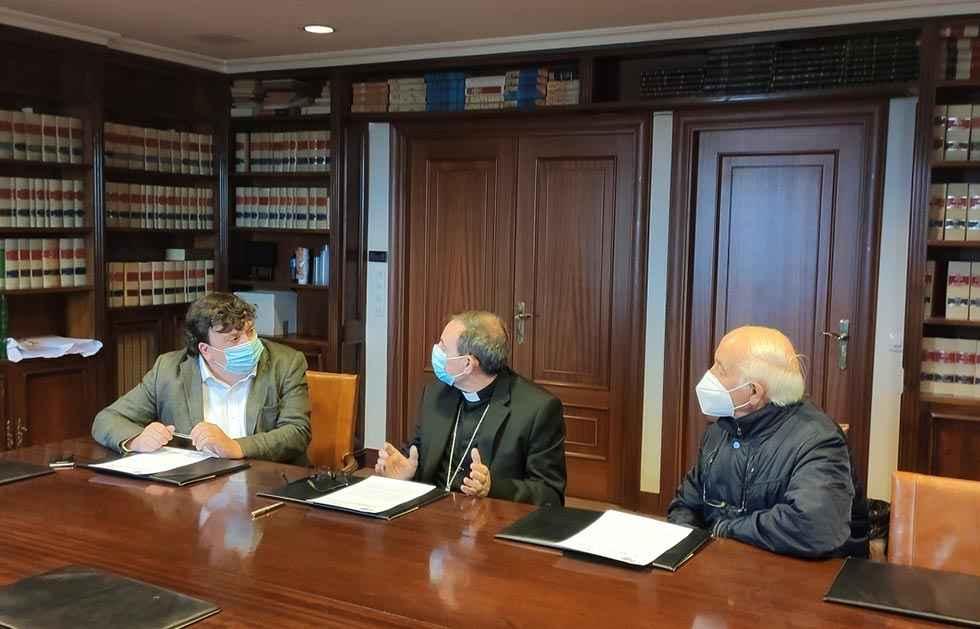 Acuerdo para restaurar la iglesia de Campanario