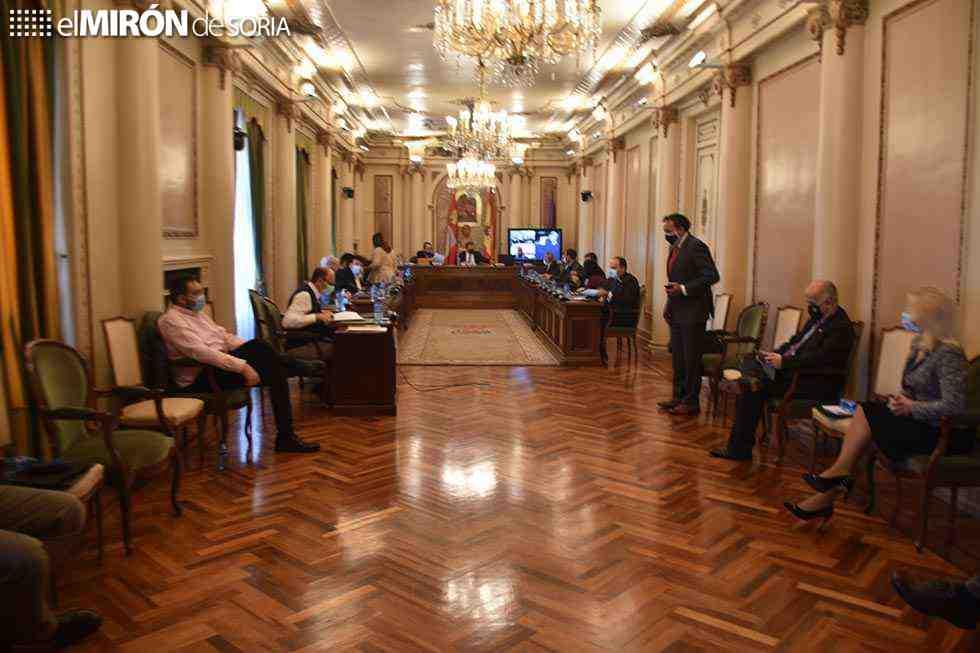 El debate sanitario acapara el pleno de la Diputación