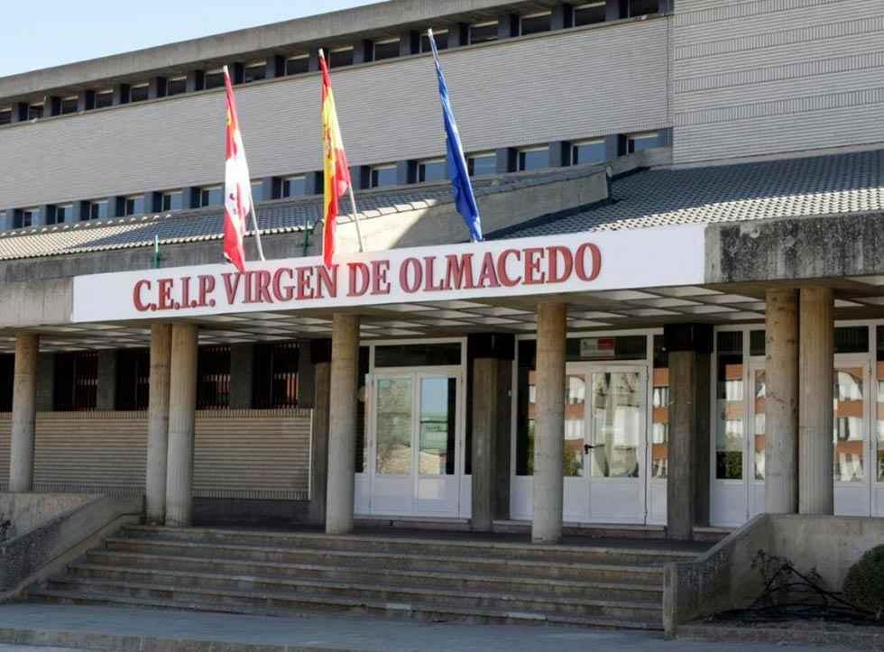 El PSOE reclama auxiliares de Educación Infantil
