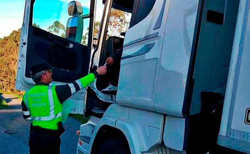 Denunciado camión por superar masa máxima autorizada