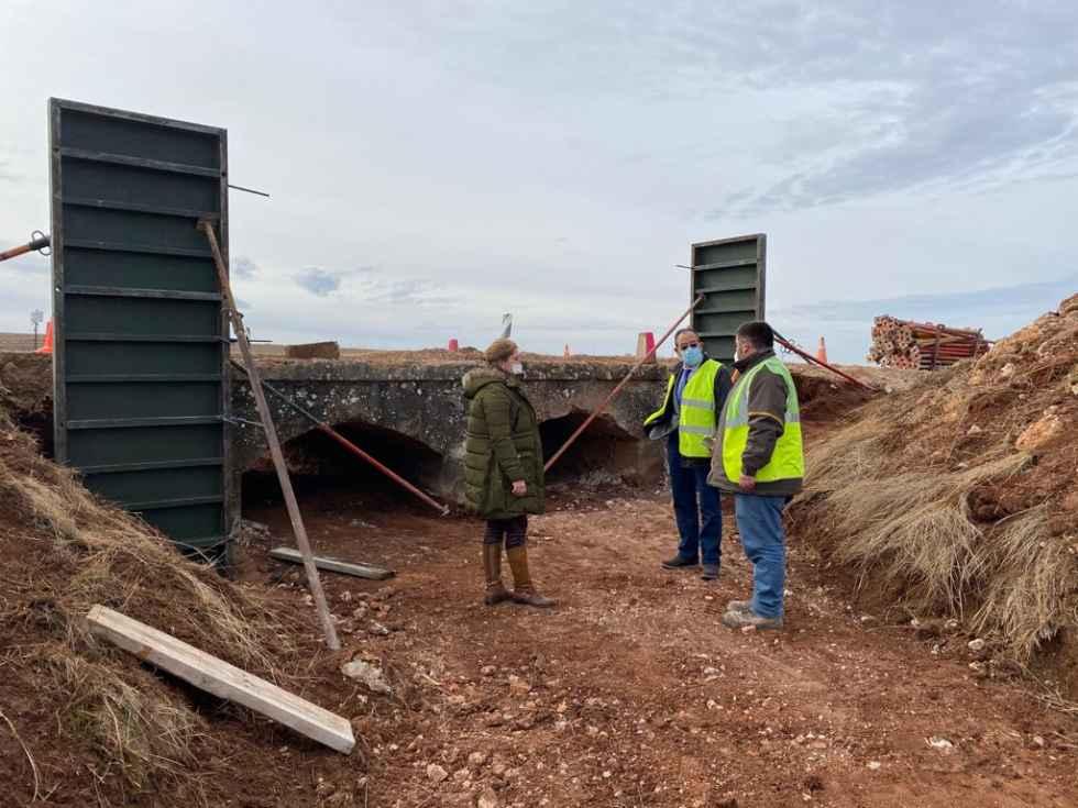 Supervisión de las obras en carreteras de Radona e Iruecha