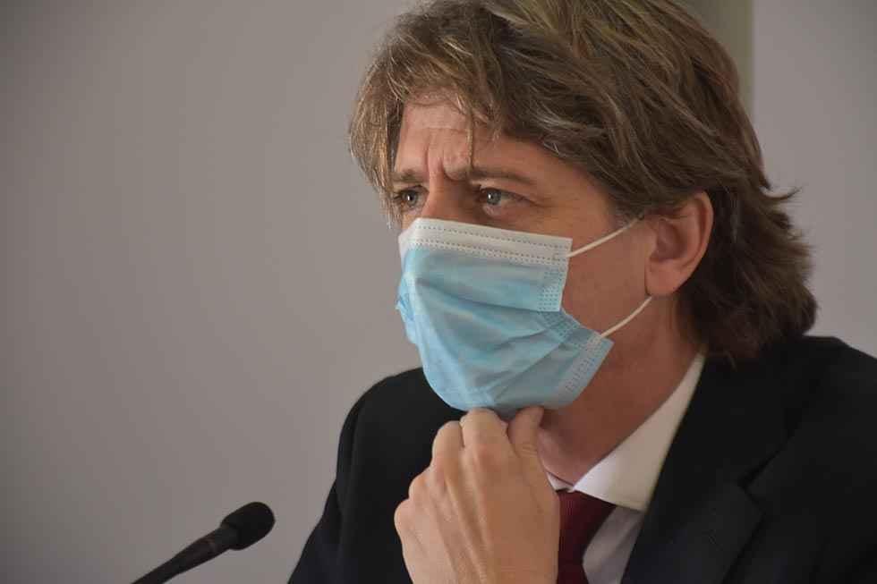 Martínez censura la falta de módulos climatizados