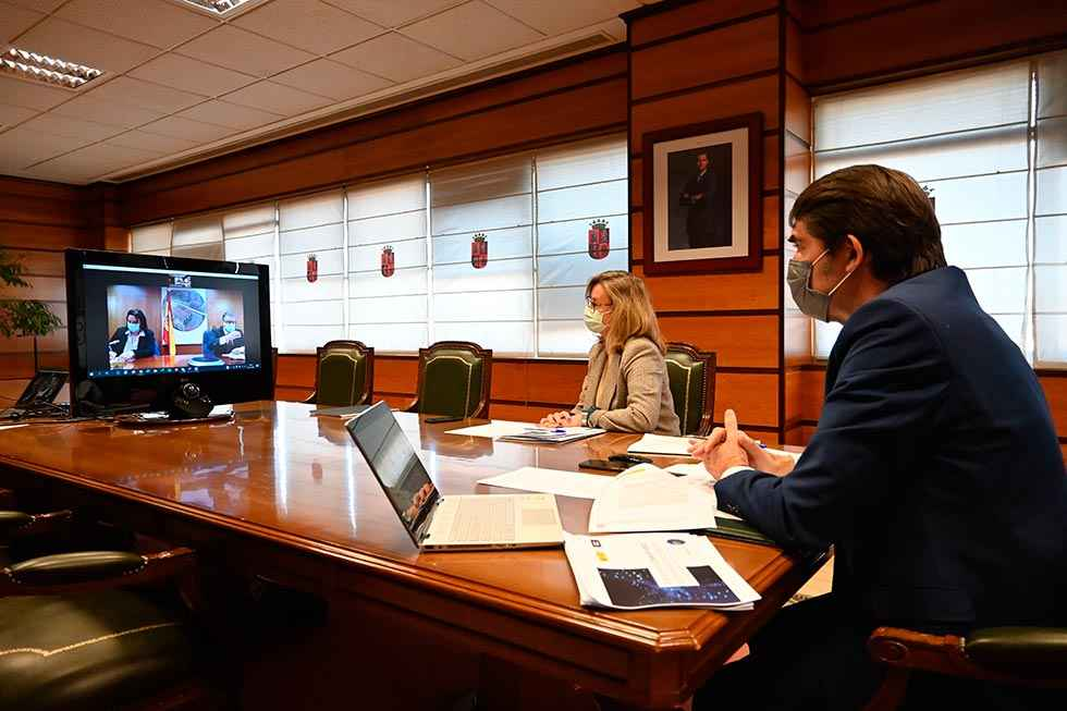 Junta y Gobierno emprenden mejora de banda ancha