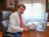Mañueco pide a Sánchez ayudas para la hostelería