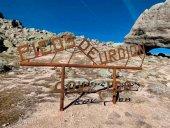 Vandalismo en la escultura de Covaleda en Urbión