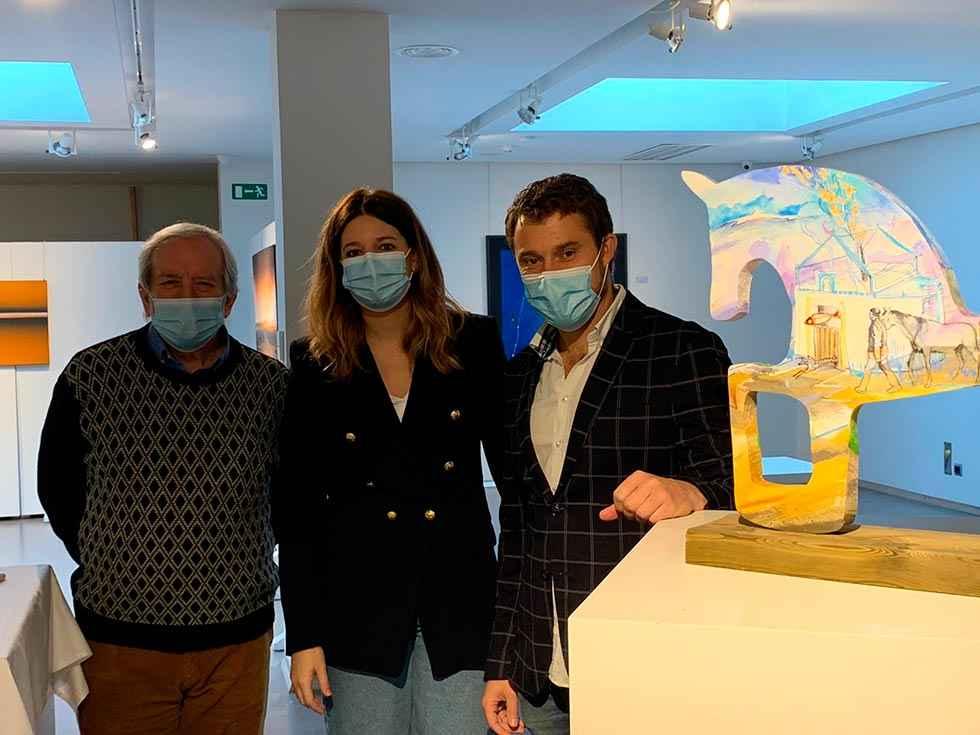 Cinco caballitos que aúnan arte y solidaridad