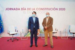 Mañueco defiende la vigencia de la Constitución