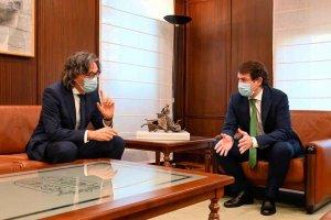 Junta y Fiscalía garantizan continuidad de colaboración