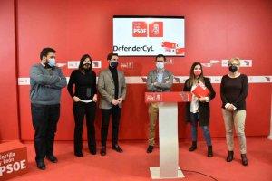 El PSOE acusa a Educación de ponerse al servicio de Casado