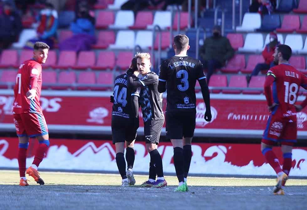 El Almería elimina al Numancia en el descuento