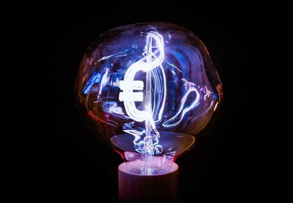 La factura de luz se encarece un 92 por ciento en 15 años