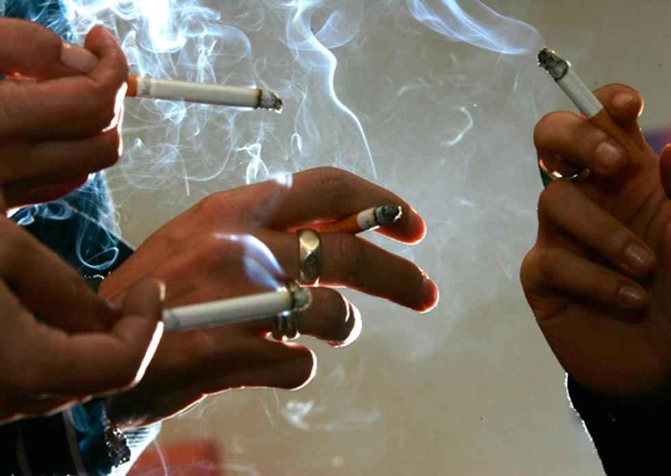 Menos consumo de tabaco y más de alcohol y cannabis