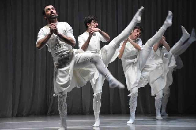 Oskara: pasajes de la cultura vasca - fotos