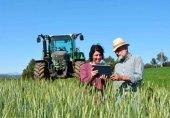 Caja Rural adelanta subvención para jóvenes agricultores