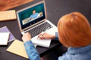 La Junta programa 8.000 horas de formación online