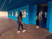 Tres aulas más en cuarentena en la ciudad