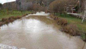 El río Ucero, en alerta por desbordamiento