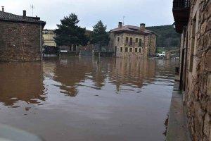 El río Duero inunda Salduero - fotos