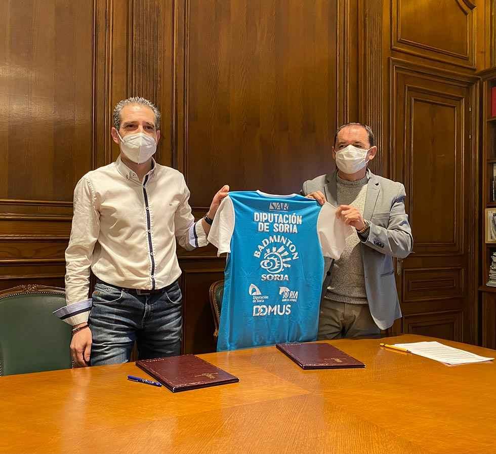 Primer convenio con el C.D. Bádminton Soria