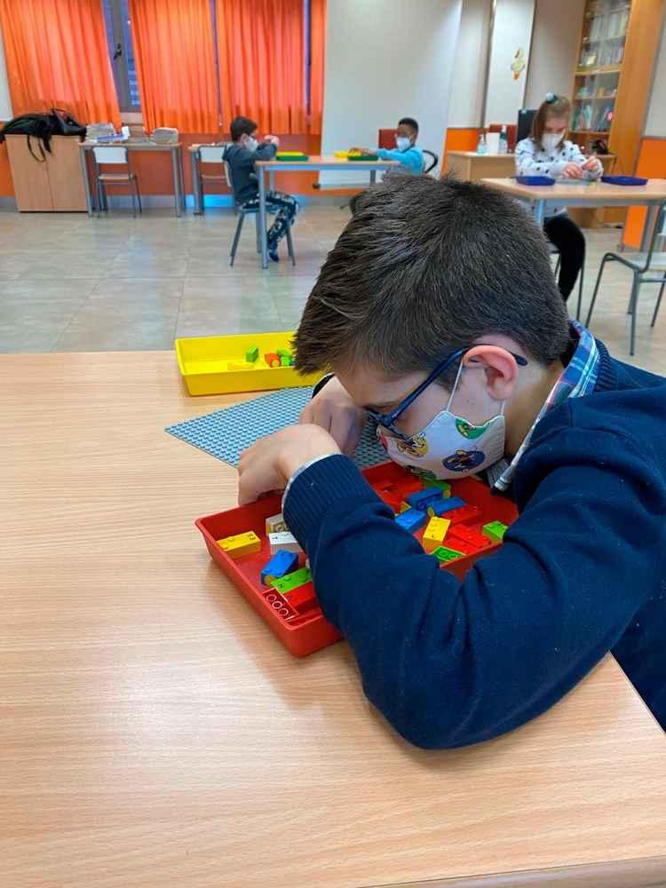 LEGO en Braille para impulsar el aprendizaje y la inclusión