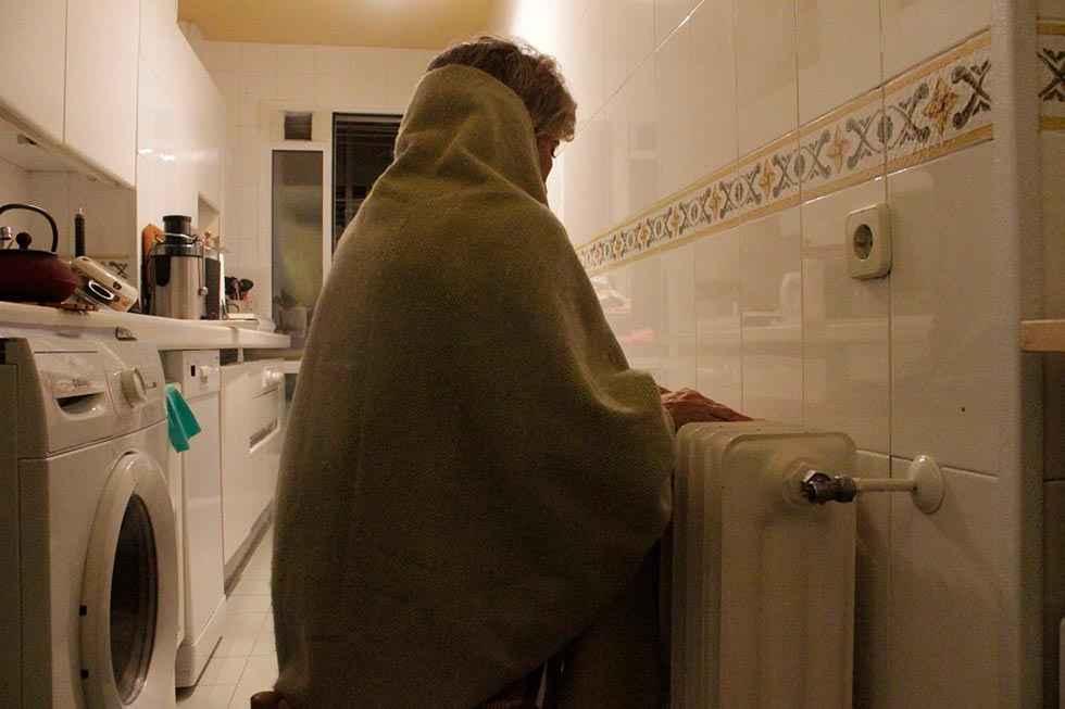 Elegir entre pagar la comida o calentar la casa