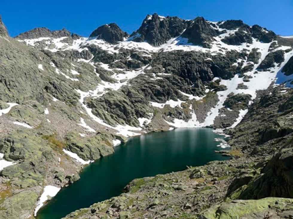 Rescatado montañero herido en la sierra de Gredos