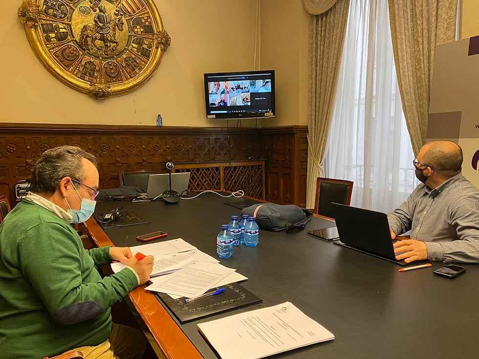 """Diputación abre el plazo para solicitar la """"tarjeta bebé"""""""