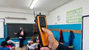 Llegan los primeros medidores de CO2 a las aulas