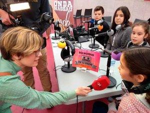 Lucas apuesta por el uso de la radio en las aulas