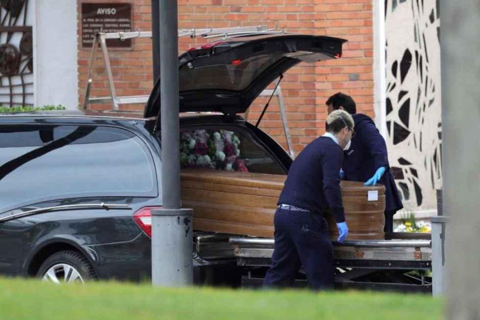 Las funerarias urgen la vacunación de sus trabajadores