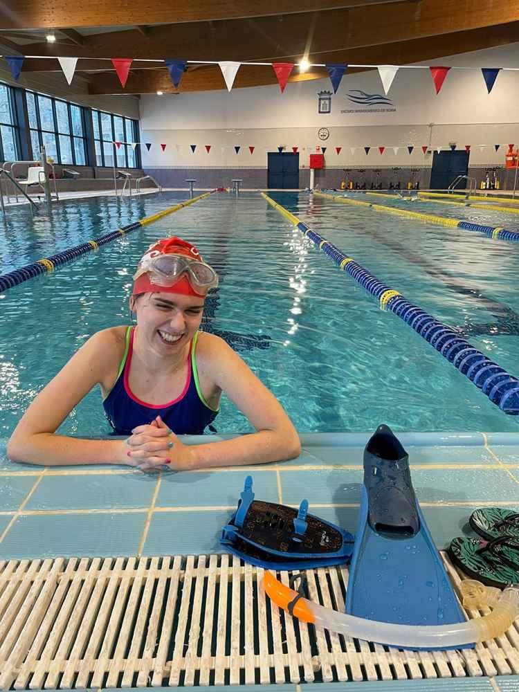Dos récords regionales en natación adaptada