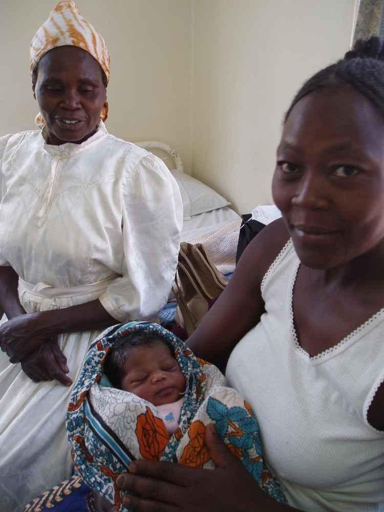 Proyectos de cooperación que benefician a 281.205 mujeres