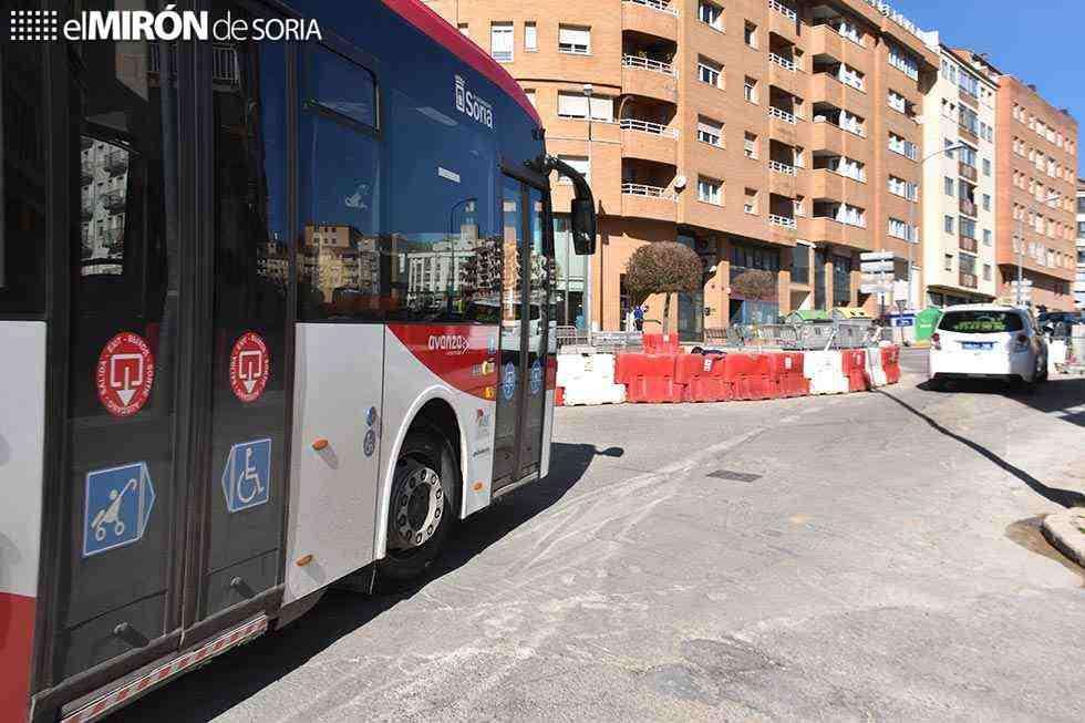 """El PP califica de """"chapuza"""" la nueva rotonda"""