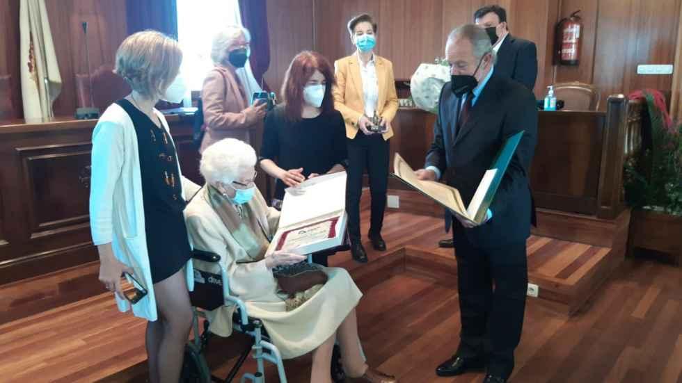 Resurrección Asenjo, una adnamantina centenaria