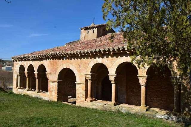 Iglesia románica de Omeñaca - fotos