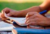 Becados 251 universitarios en estudios de máster