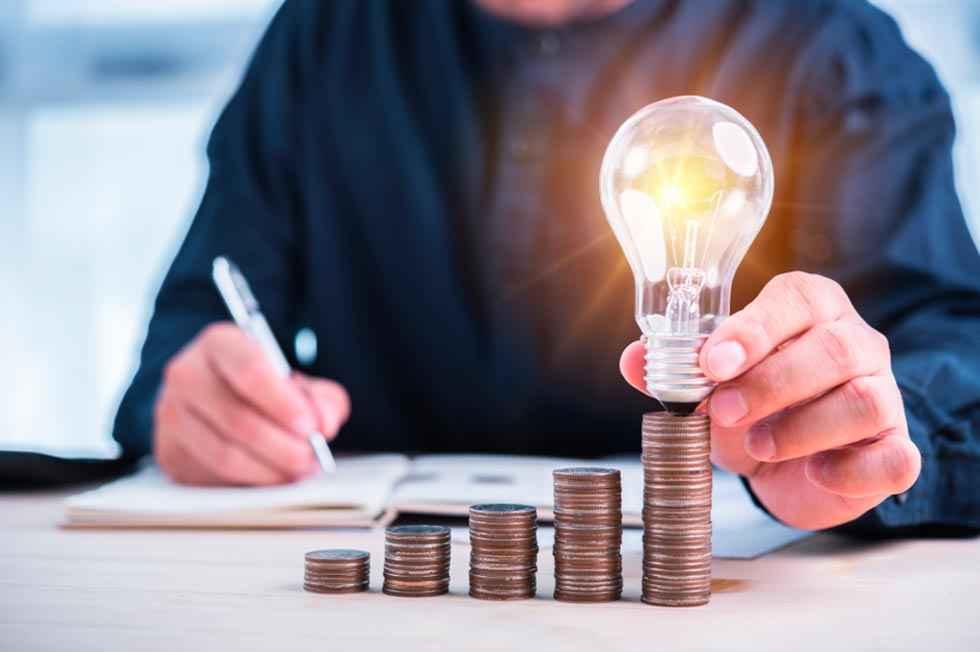 Los sorianos, los que menos dedican a factura eléctrica