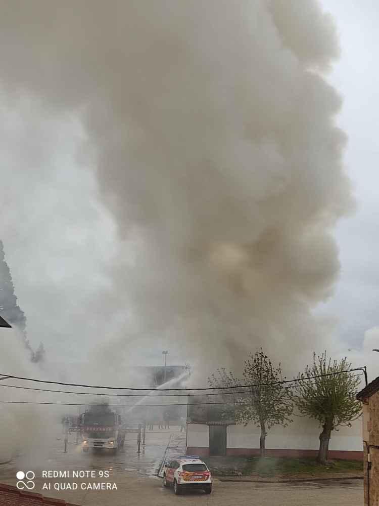 Tres viviendas, afectadas por incendio en Quintana