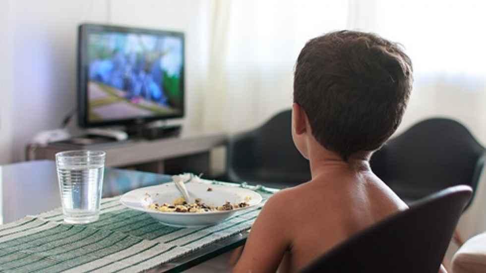 OCU: abuso de la publicidad con productos no saludables