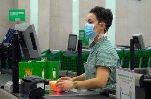 IU prioriza vacunación de trabajadores de alimentación