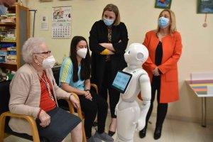 Robots para ayudar a dependencia en Los Royales