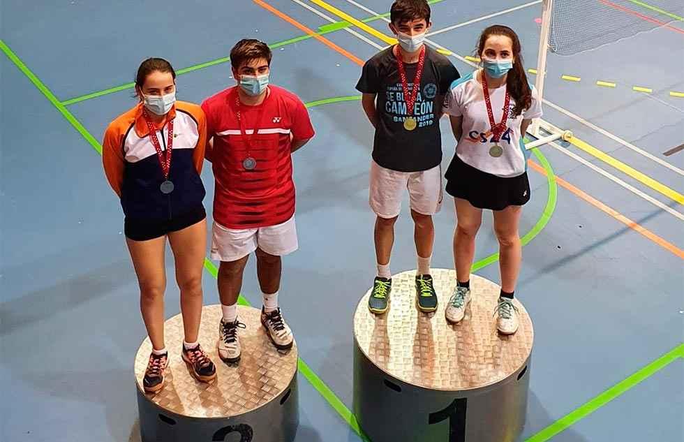 Cinco medallas de bádminton en Guadarrama